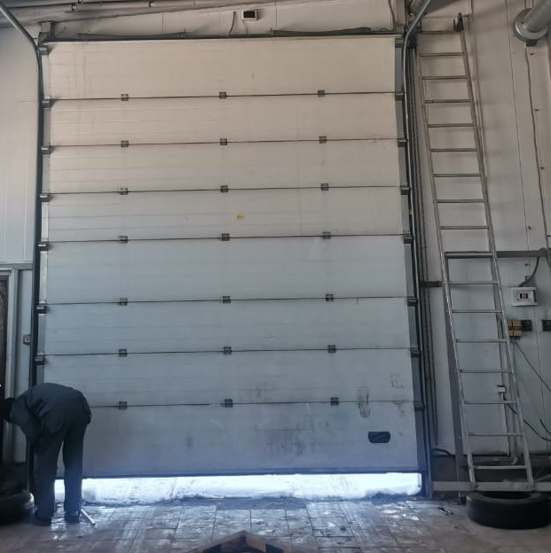 отремонтировать секционные ворота на мойке в Туле